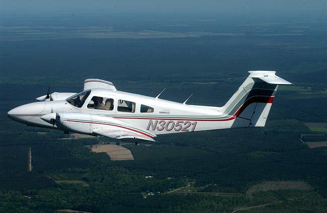 飞机及直升机情况介绍: 运七-100 6 架,分属洛阳分院和广汉分院 运五